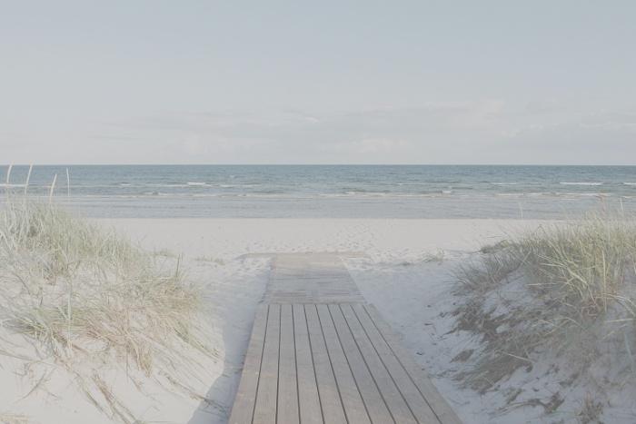 Path, beach, sea, sky. Hazy lightness